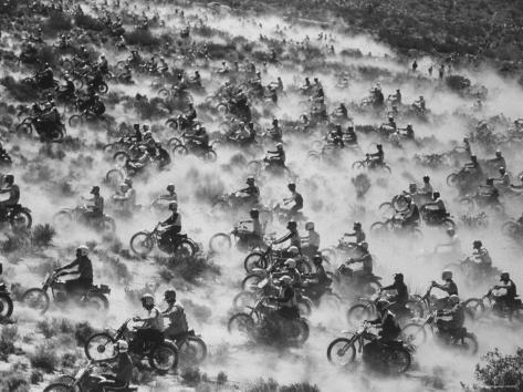 650 Motorcyclists Race Through the Mojave Desert Photographic Print