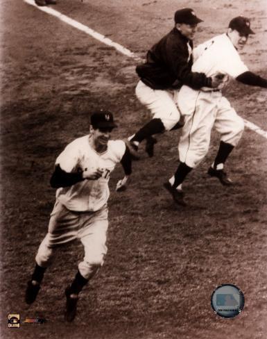 Bobby Thomson - 1951 Home Run (rounding the bases) Photo