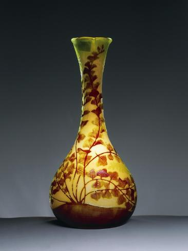 Bulb Vase With Long Neck And Three Lobed Opening With Engraved