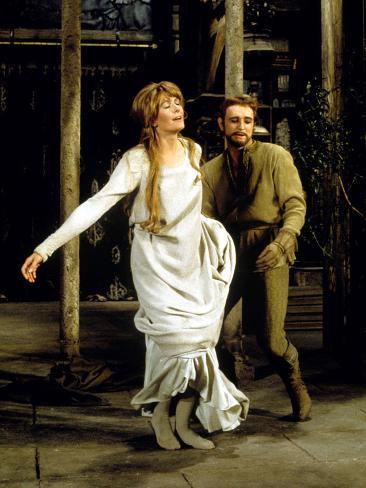 Camelot, Vanessa Redgrave As Queen Guenevere, Richard Harris As King Arthur, 1967 Photo