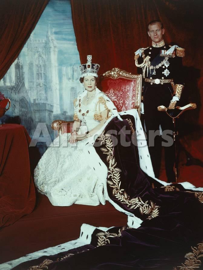 Queen Elizabeth II in Coronation Robes with the Duke of Edinburgh ...