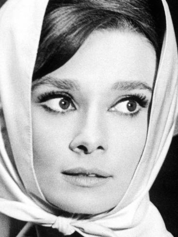 Charade, Audrey Hepburn 1963 Photo