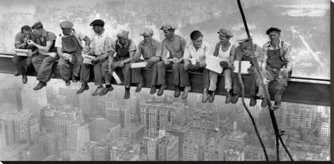 New York Construction Workers Lunching on a Crossbeam, 1932 Stretched Canvas Print