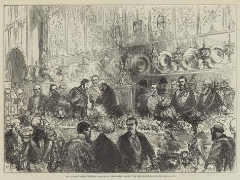 The International Municipal Banquet at the Mansion House, the Lord Mayor Passing the Loving Cup Lámina giclée