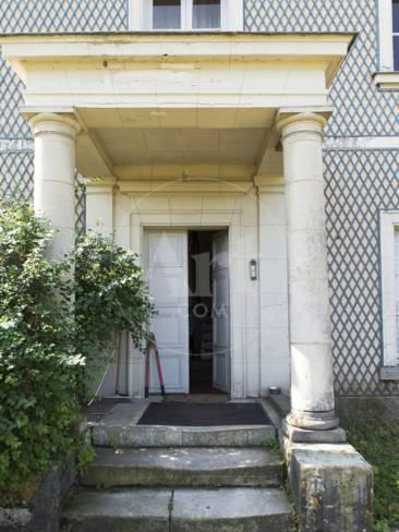 Le Porche De La Maison château de champs-sur-marne, perron et porche de la maison du