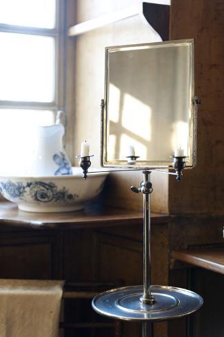 Maison de George Sand, cabinet de toilette, miroir à barbe ...