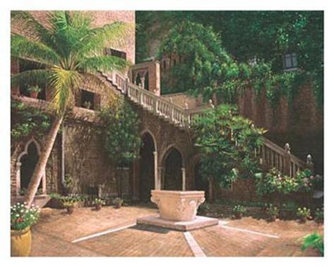 Wishing Well Courtyard Art Print