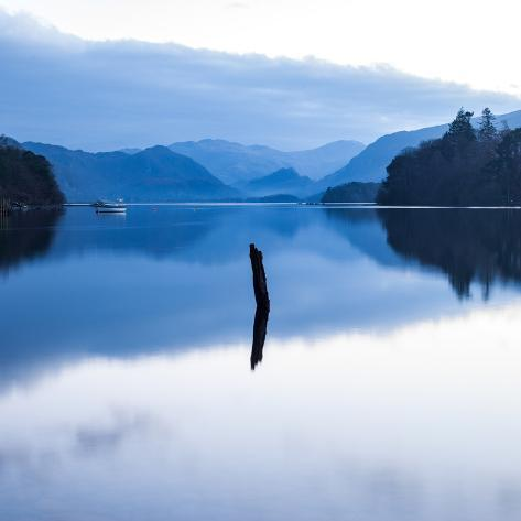 View across Derwent Water Valokuvavedos