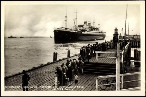 Cuxhaven, Dampfschiff Albert Ballin, Hapag Giclee Print