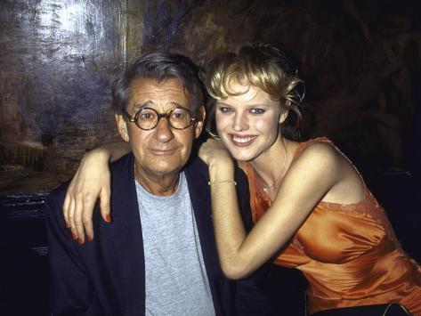 Photographer Helmut Newton and Model Eva Herzigova Stampa fotografica Premium