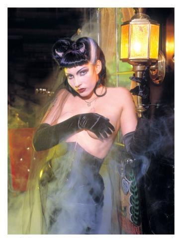 Pin-Up Girl: Munsters Vampiress Giclee Print