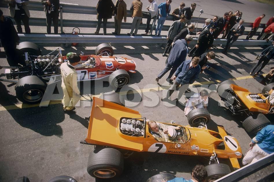 Denny Hulme\'s Mclaren Ford at the British Grand Prix, Silverstone ...