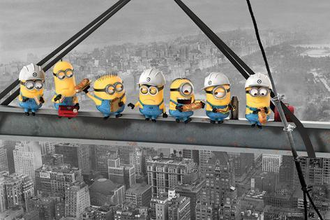 Despicable Me - Minions lunch on a skyscraper Póster