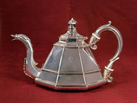 Teapot, Probably Based on an Early 18th Century Dutch Example, London 1832 (Silver) Giclée-vedos