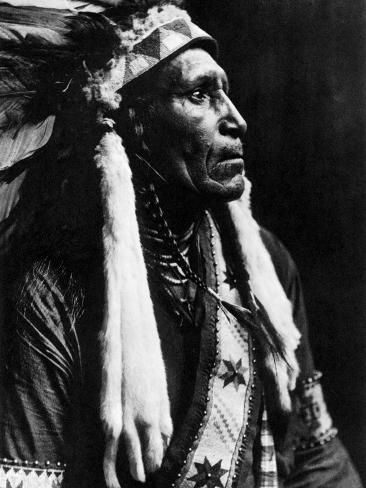 Curtis: Raven Blanket, 1910 Photographic Print