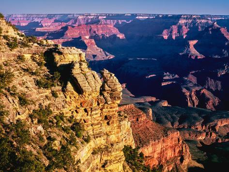 オールポスターズの elevated view of the rock formations in a canyon