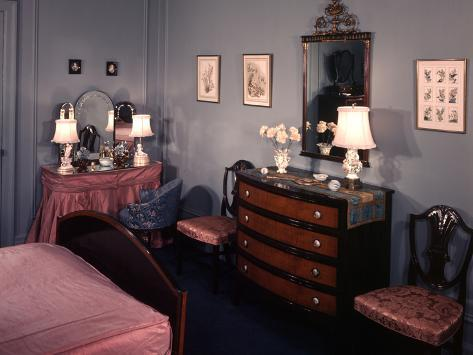 Charmant 1930s 1940s Bedroom With Blue Walls Pink Bedspread And Skirted Vanity Table  Photographic Print By Ewing Galloway At AllPosters.com