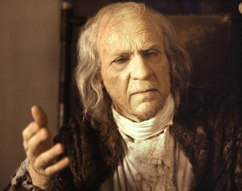 amadeus movie summary essay The synopsis antonio salieri his story, told throughout one night, forms the substance of the film wolfgang amadeus mozart.