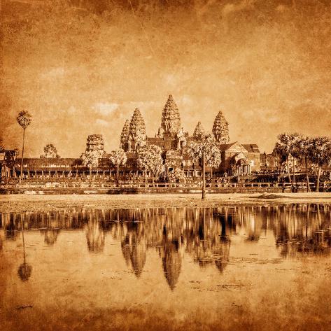 Vintage Retro Effect Filtered Hipster Style Weathered Toned Travel Image of Cambodia Landmark Angko Valokuvavedos