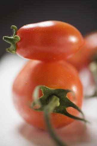 Plum Tomatoes (Close-Up) Photographic Print