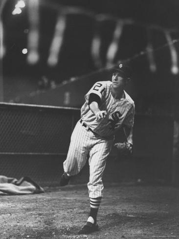 Chicago White Sox Player, Gerry Staley in Action Premium Photographic Print