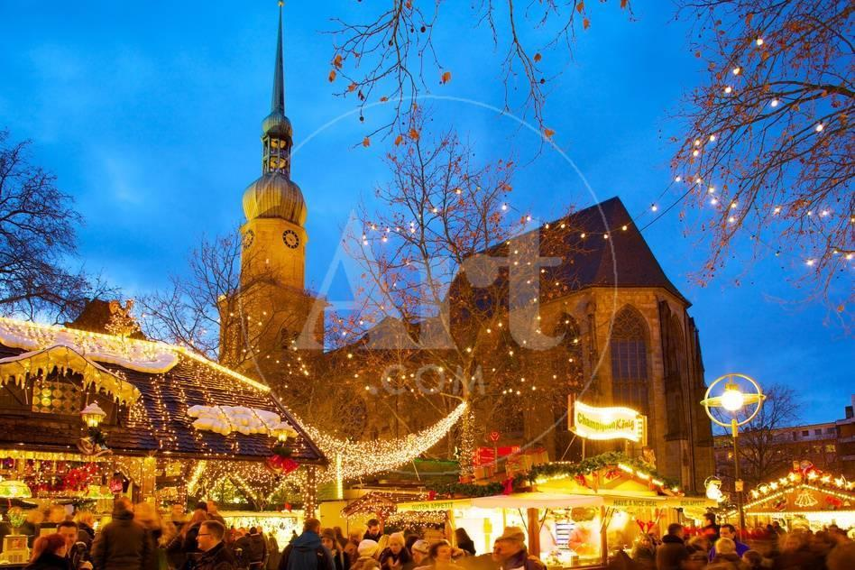 St Reinoldi Church And Christmas Market At Dusk Dortmund North Rhine Westphalia Germany Europe Photographic Print Frank Fell Allposters Com