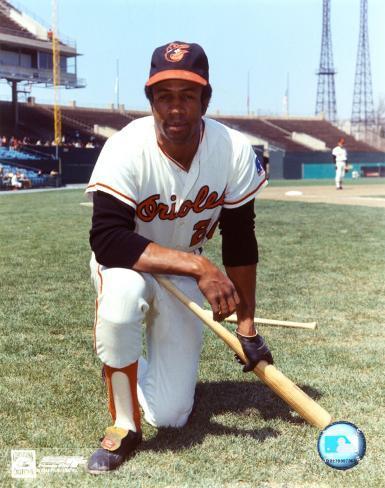 Frank Robinson - Orioles - Kneeling with bat Photo