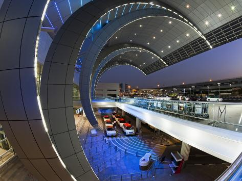 Stylish Modern Architecture of the 2010 Opened Terminal 3 of Dubai International Airport, Dubai, Un Photographic Print