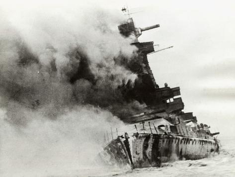 German Battleship Smoking War Attack Stampa fotografica