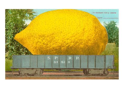 Giant Lemon in Rail Car Taidevedos