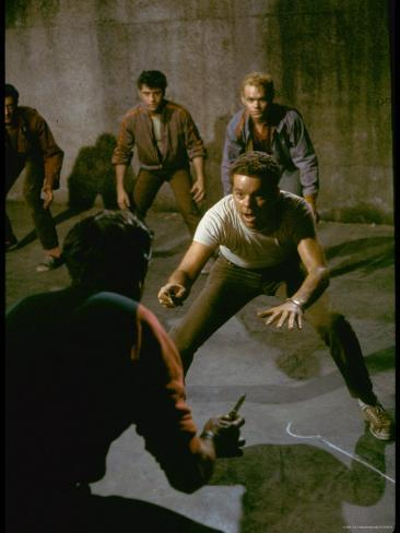 Knife Fight Scene from West Side Story Exklusivt fotoprint