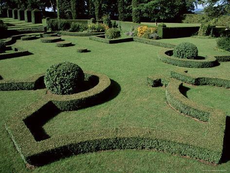 le jardin francais french garden les jardins deyrignac perigord aquitaine france photographic print by guy thouvenin at allposterscom - Jardin D Eyrignac
