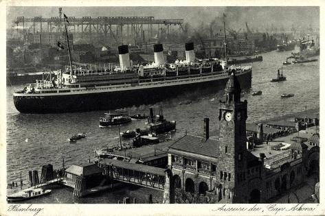 Hamburg, Ausreise Des Dampfers Cap Arkona, Hafen Giclee Print