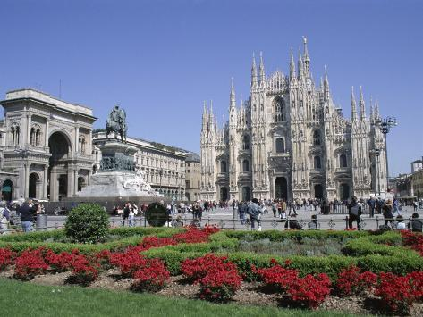 Piazza Del Duomo, Milan, Lombardy, Italy Photographic Print