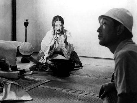 Isuzu Yamada, Director Akira Kurosawa On The Set Of Throne Of Blood, (AKA Kumonosu Jo), 1957 Foto