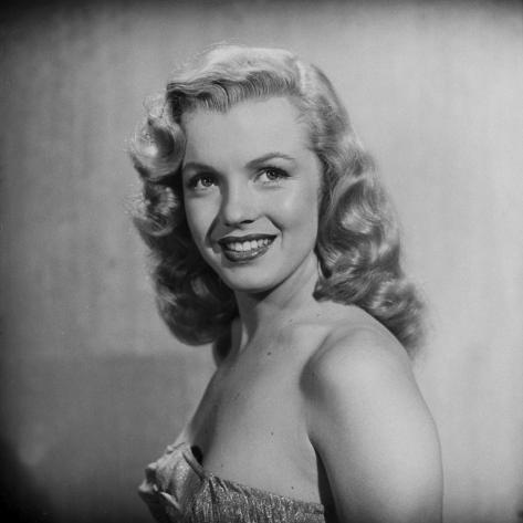 Movie Starlet Marilyn Monroe Posing in Studio Premium Photographic Print