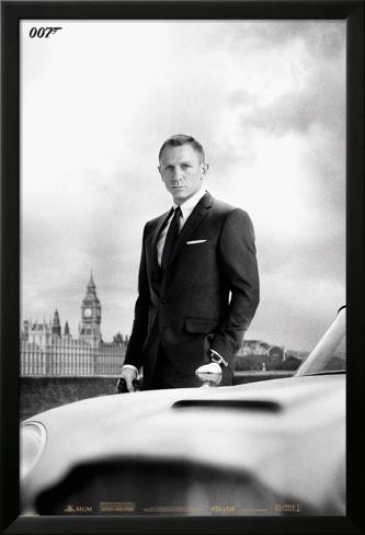 James Bond – Bond & DB5 - Skyfall Lamina Framed Poster
