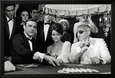 James Bond-Lady Luck Lamina Framed Poster