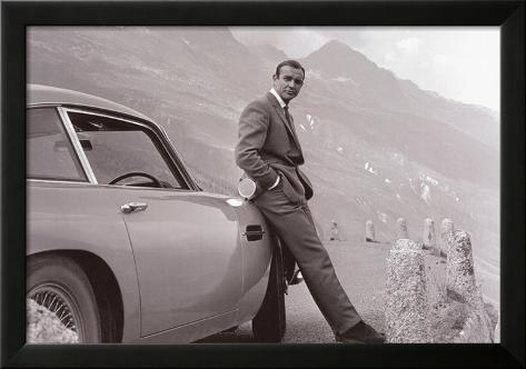 James Bond met Aston Martin Ingelijste kunstdruk