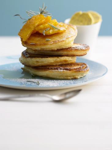 Pancakes with Orange Slices and Maple Syrup Valokuvavedos