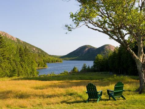 Adirondack Chairs on the Lawn of the Jordan Pond House, Acadia National Park, Mount Desert Island Impressão fotográfica