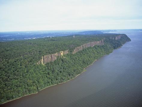 Palisade Cliffs Along the Hudson River, New Jersey, USA Photographic Print