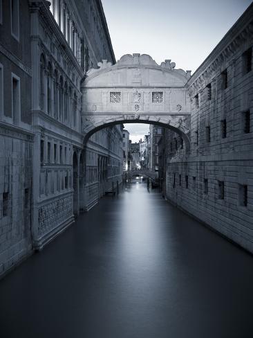 Bridge of Sighs, Doge's Palace, Venice, Italy Photographic Print