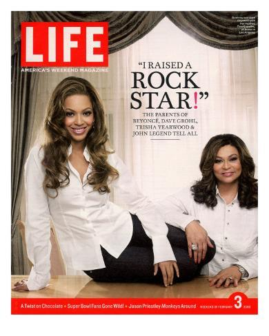 Portrait of Pop Music Star Beyonce and Mother Tina Knowles at Home, February 3, 2006 Photographic Print