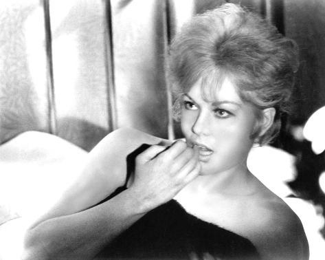Kim Novak, Of Human Bondage (1964) Photo