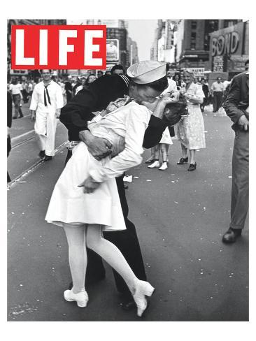LIFE VJ Day Soldier Kissing girl Taidevedos