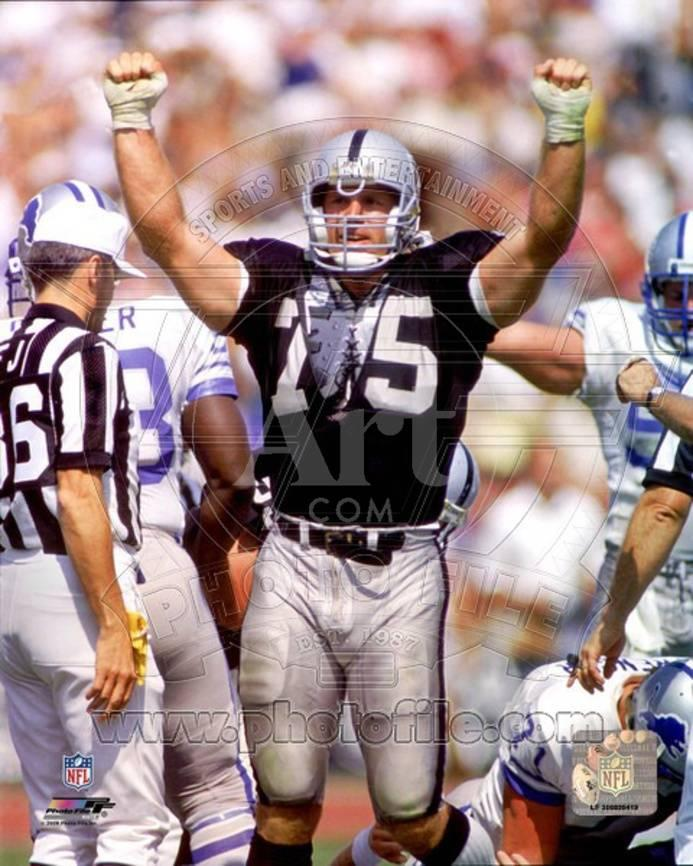 Los Angeles Raiders - Howie Long Photo Photo at AllPosters.com 695ea558c