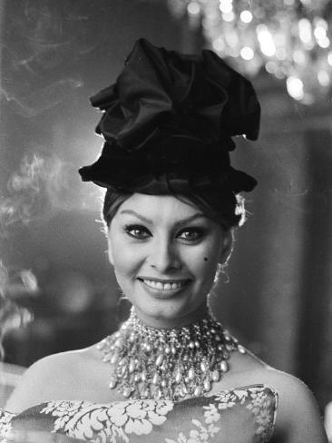 Sophia Loren in a Christian Dior dress Photographic Print