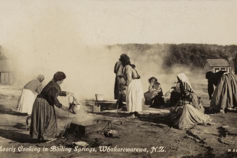 Maoris Cooking in Boiling Springs, Whakarewarewa, New Zealand Valokuvavedos