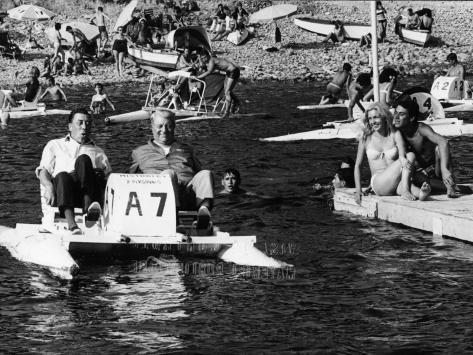 Jean Gabin, Fernandel, Marie Dubois and Franck Fernandel: L'Âge Ingrat, 1964 写真プリント